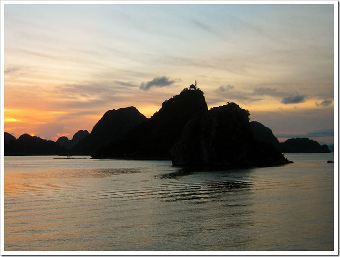 Temple on the rock, Halong Bay