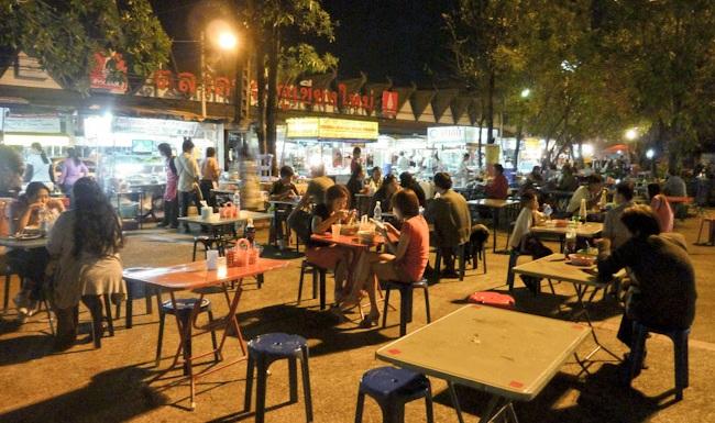 Chiang Mai gate night market