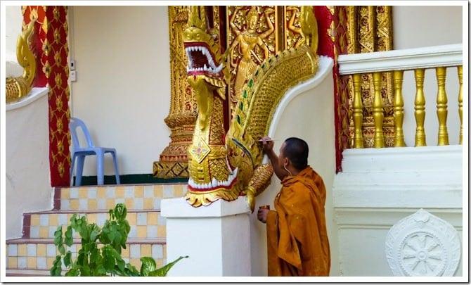 Monk painting, Doi Suthep