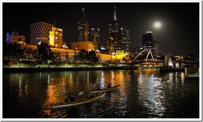 Night kayaking - Melbourne