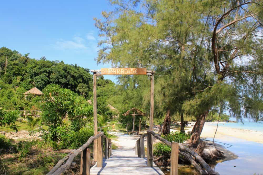 Paradise Bungalows entrance