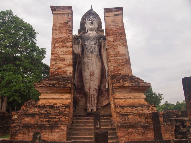 Large standing statue, Sukothai