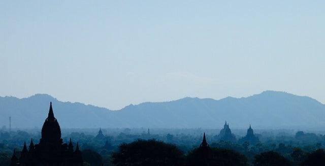 Mist rising, Bagan