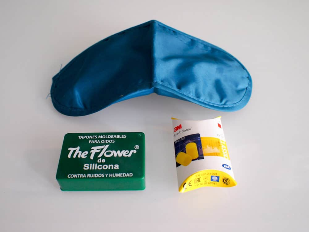 Camino earplugs and eyemask