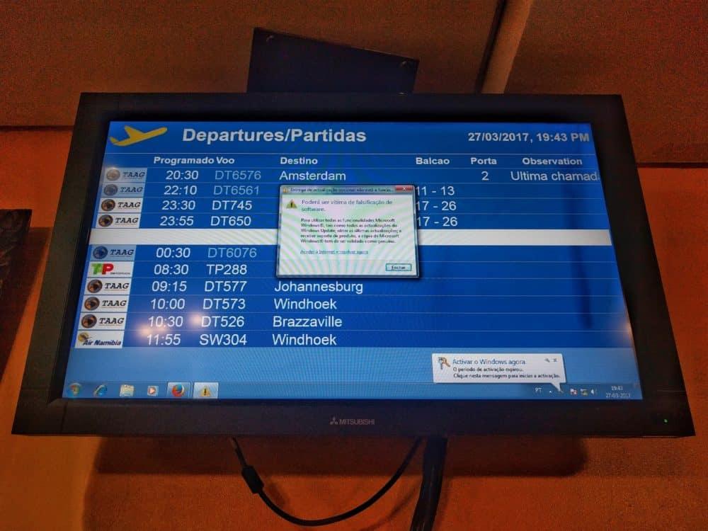Luanda airport flight info error message